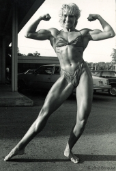 lady-bodybuilder